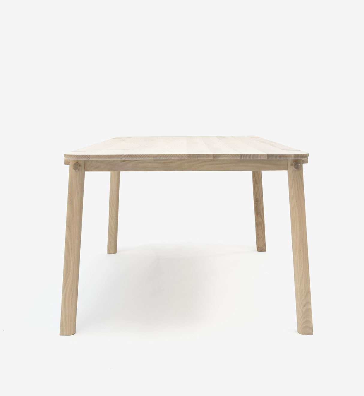 furn_table_front_bøøt4