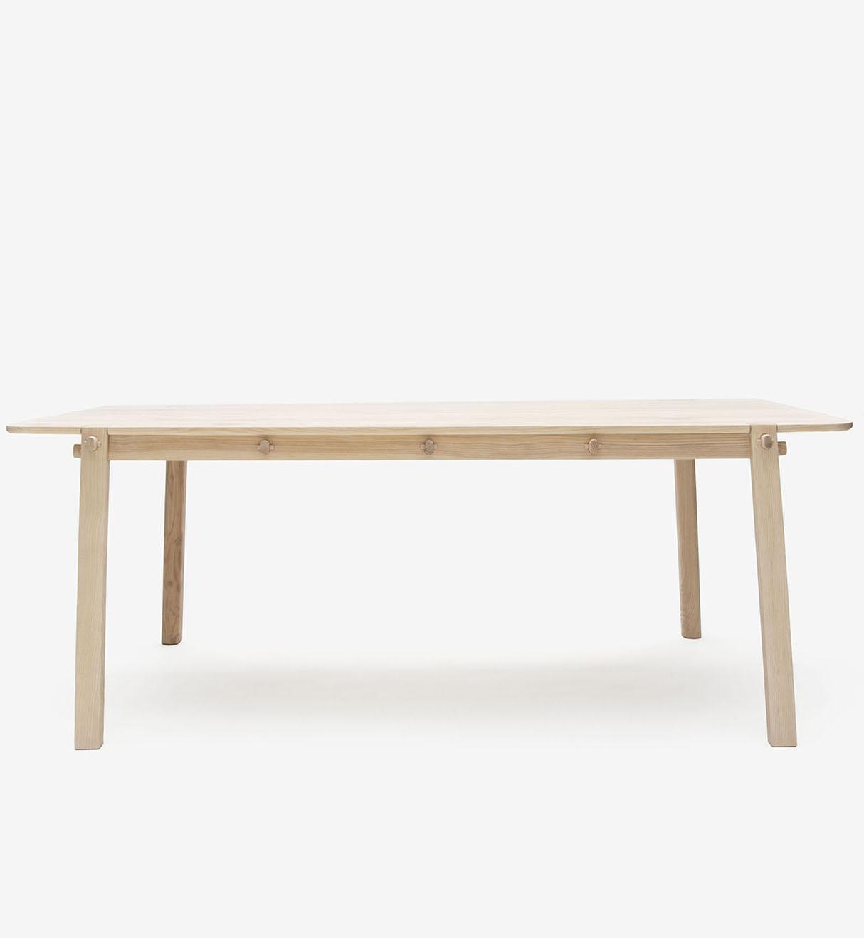 furn_table_side_bøøt1